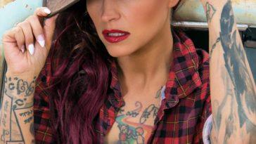 Ari Perez MicroMAG - Kristy Seguin 7