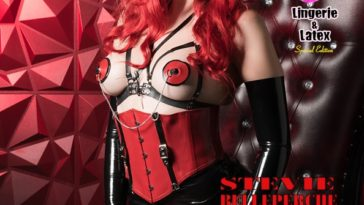 Australia's Top Glamour Models - Lingerie & Latex - Stevie Belleperche 2